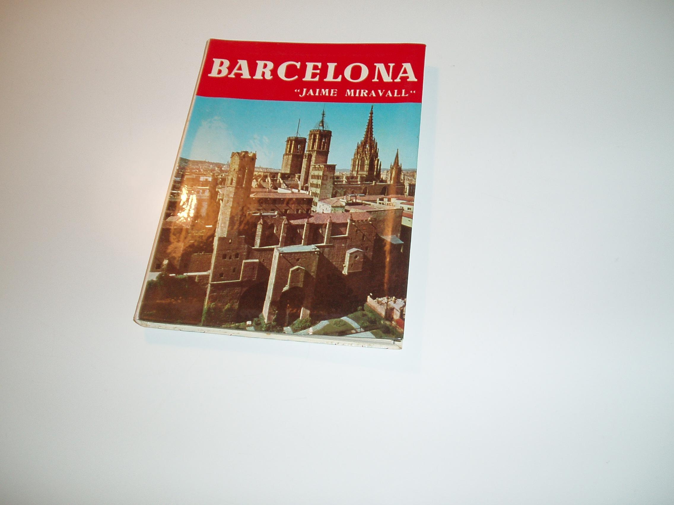 Barcelona. Engelsk tekst, mange sort-hvide fotos