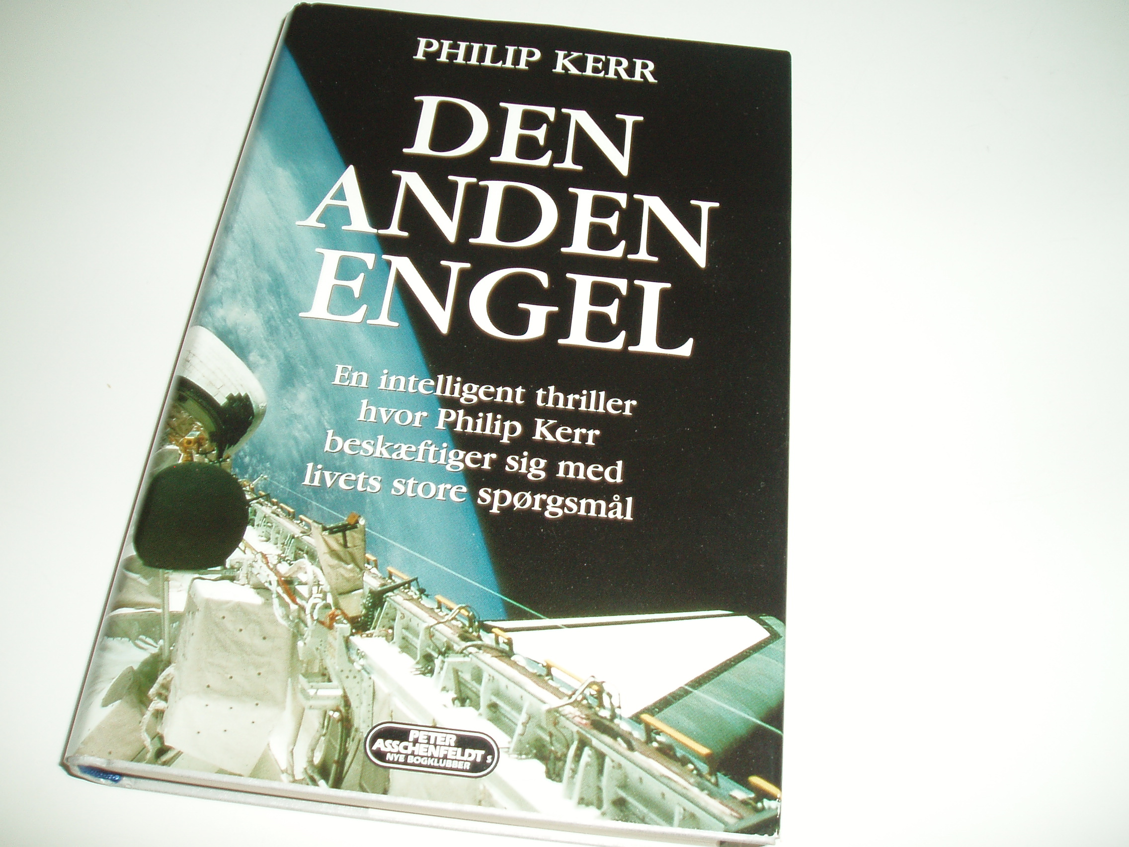 Den anden engel. En intelligent thriller......Bogklubudgave